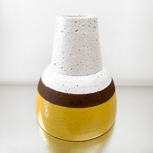 Vaso Bianco/Giallo by Ettore Sottsass