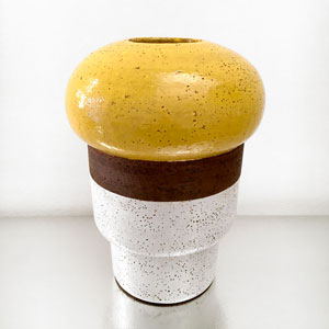 Vaso Giallo/Bianco by Ettore Sottsass